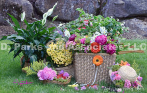 8352S-Flower Basket and Straw Hat