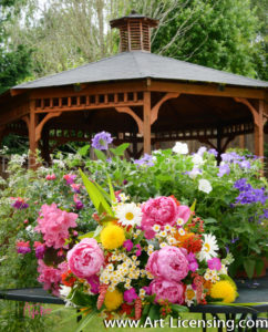 8800S-Peony Bouquet and Gazebo